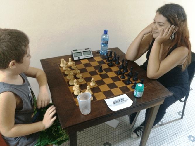 7 - Arthur recebeu lições de Tatiana, treinadora de Marcos Luciano