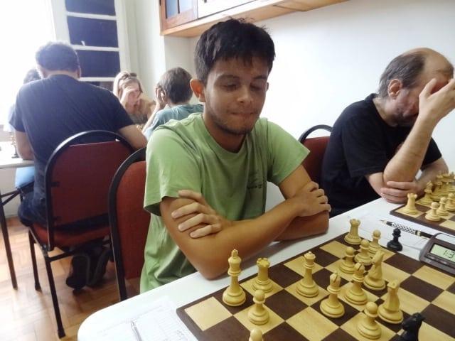 A jovem revelação, Gustavo Leoni!