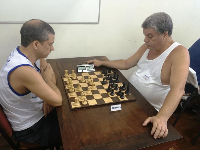 Marco Aurélio Maia (de brancas) contra Sérgio Murilo