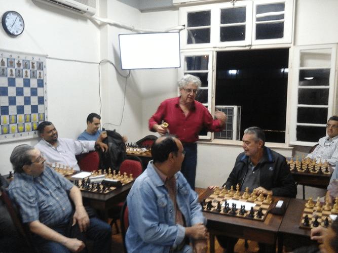Após o final do Congresso Técnico, o Presidente do Clube chama o associado Luiz Sérgio Tiomno