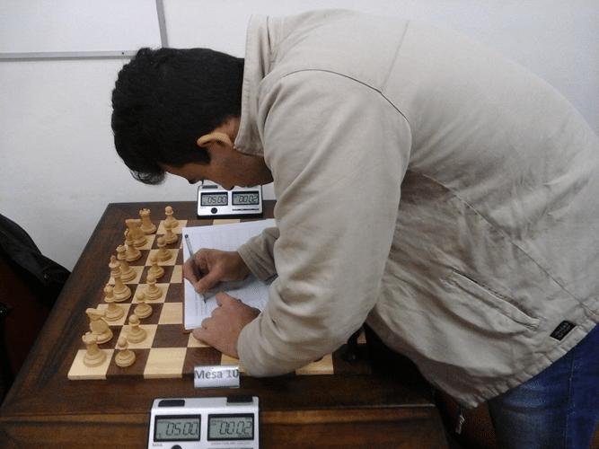 Helemberg Cubiça inscrevendo-se no torneio
