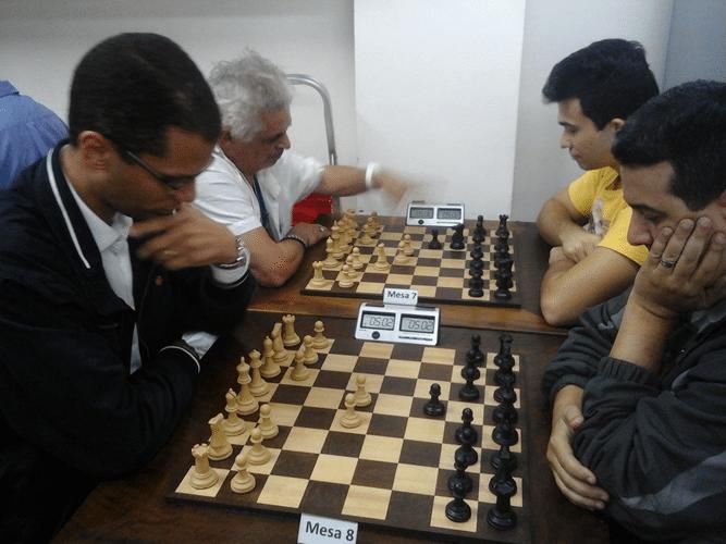 André Kemper vs Estevão Luiz Soares e Gilberto Camelo Henrique vs Helemberg Cubiça