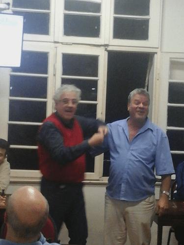Na hora de entregar os diplomas devidos a Álvaro Frota, Sérgio Murilo quis ficar com os diplomas para ele