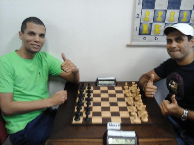 André Kemper e Carlos Eduardo Nunes antes da partida entre ambos
