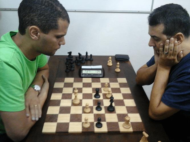 André Kemper vs Estevão Luiz Soares