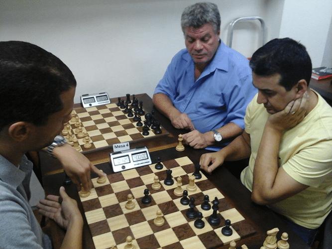 André Kemper vs Luiz Estevão Soares - Sérgio Murilo observa