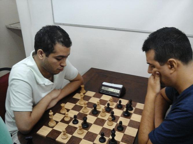 Bruno Garcia Perez vs Estevão Luiz Soares