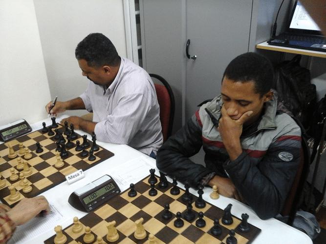 Na luta Carlos Henrique Luz da Costa e Thiago Siqueira de Azevedo