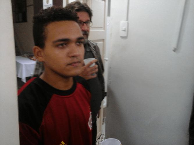 Visitantes 07 Após terminar sua partida, Erick dos Santos Gomes jogou algumas amistosas também