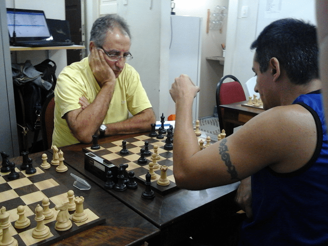 Diógenes Labre de negras contra Allan de Souza Siqueira