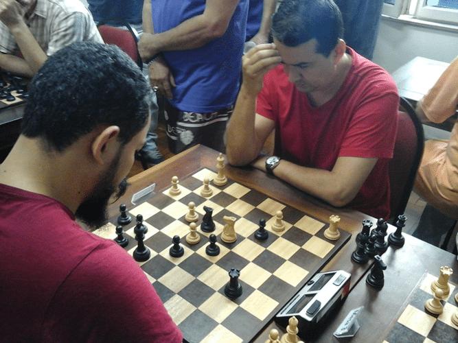 Estevão Luiz Soares de brancas contra Flávio Silva Almeida