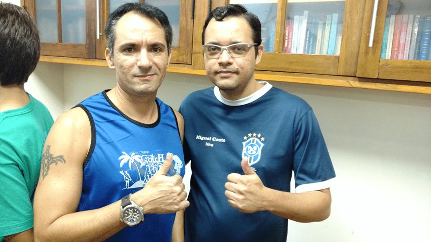 Allan de Souza Siqueira, posando para a foto ao lado do irmão Cássio de Souza Siqueira, ficou na 9ª colocação
