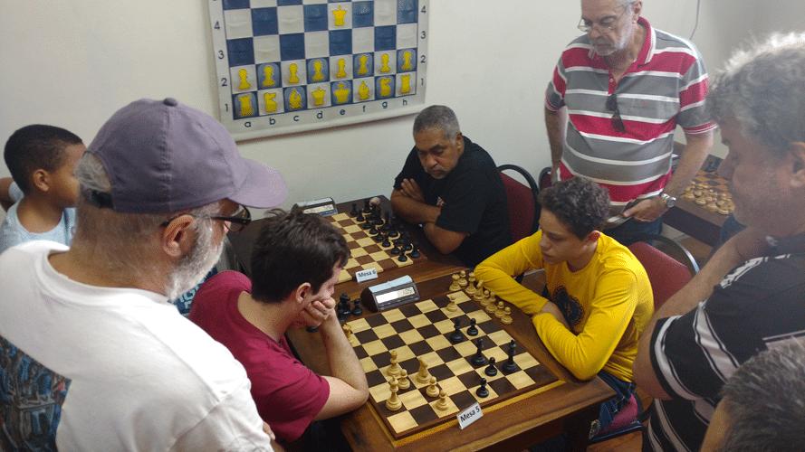 Leo Ramos Simões vs Rafael Freitas de Brito