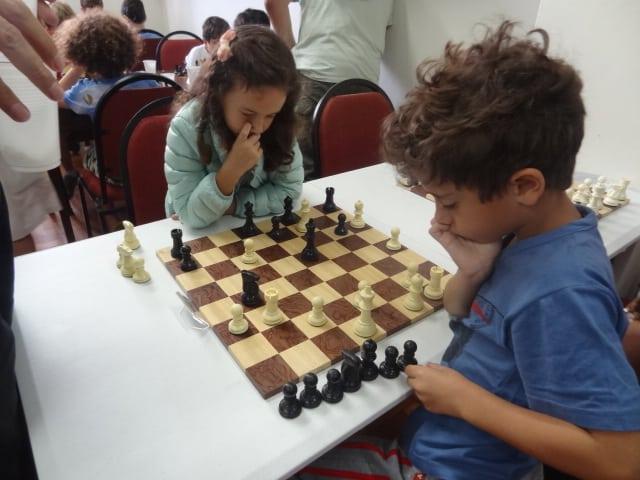 Daniel Machado e Manuela Farago.