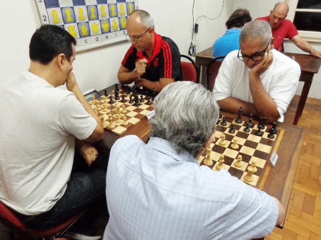 Guilherme Von Calmbach versus Nei Jorge Rodrigues. Na outra mesa Estevão Luiz Soares versus Diógenes Negreiros (2)
